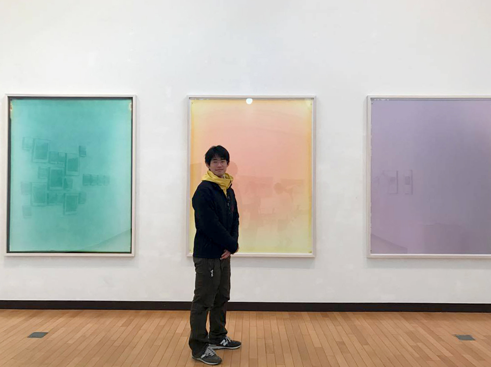 """内海潤也 """"将来のキュレーターとしての責務は、 ジェンダーとポリティカルなこと、 性と政治的なことに関する展覧会を 日本で開いていくことだと思っています"""""""
